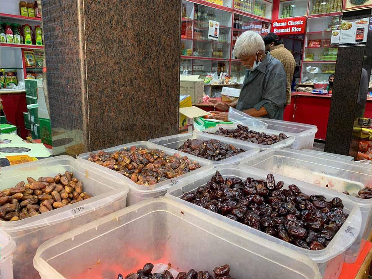 रमज़ान- लॉकडाउन के चलते महंगी बिक रही हैं खजूर 7