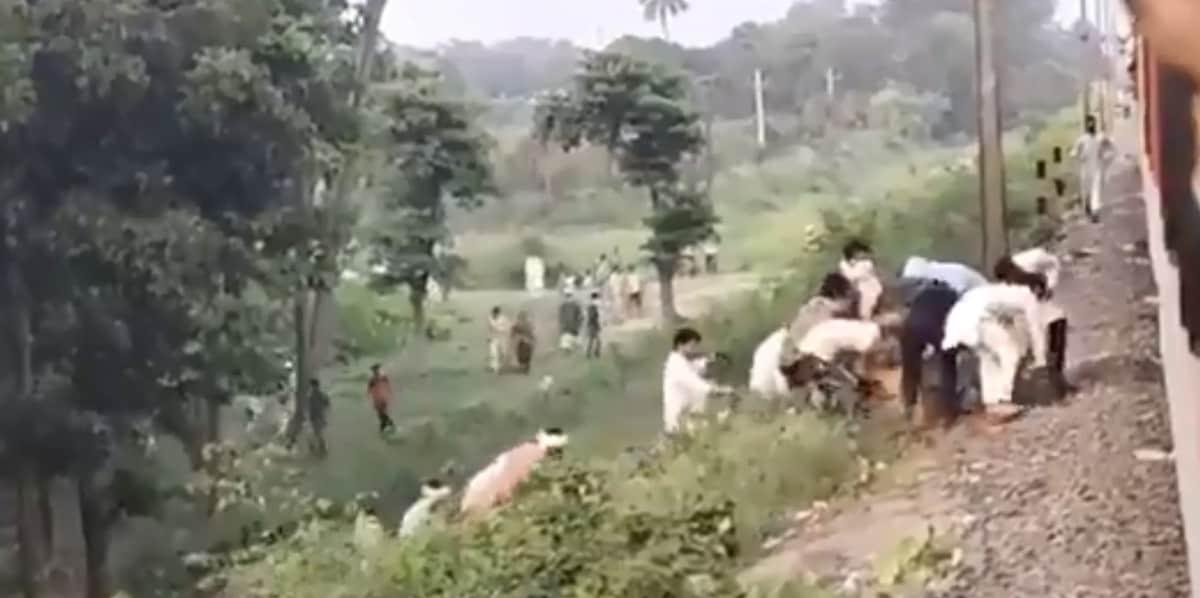ट्रेन रुकी तो इलाके के लोगों ने दिया अपना खाना, मिजोरम के CM ने वीडियो शेयर कर कही ये बात 11