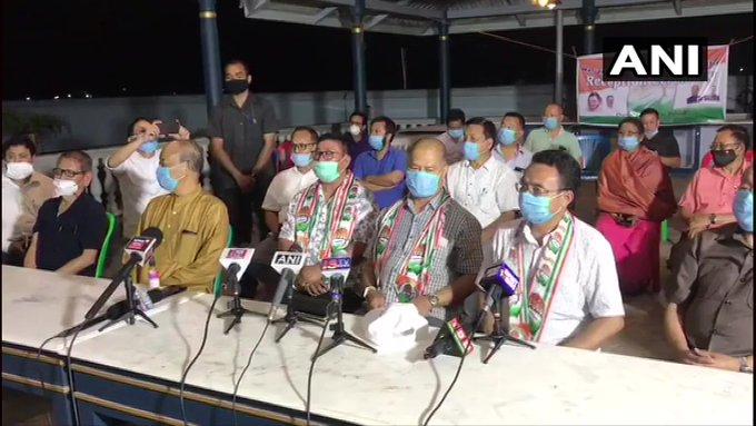 मणिपुर में  BJP की गठबंधन सरकार पर खतरा, डिप्टी CM समेत कई मंत्रियों का इस्तीफा, कांग्रेस में शामिल हुए 6