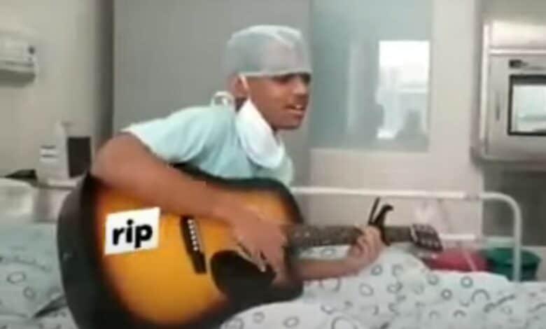 अस्पताल के बेड पर गाया 'अच्छा चलता हूं दुआओं में याद रखना', मरने के बाद विडियो हुआ वायरल 15