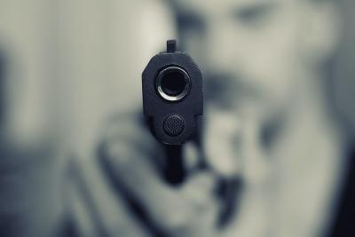 उप्र: पारिवारिक विवाद में वकील की गोली मारकर हत्या