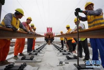 चीन में स्मार्ट बुलेट ट्रेन के रेल मार्ग का निर्माण पूरा
