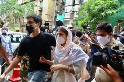 एनसीबी ने शोविक और मिरांडा को किया गिरफ्तार, शनिवार को होगी पेशी (लीड-2)