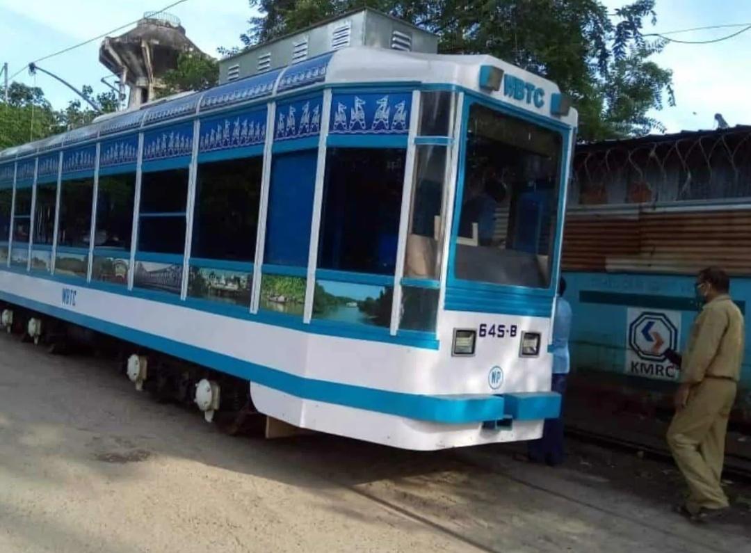 कोलकाता में भारत का पहला ट्राम लाइब्रेरी! 7