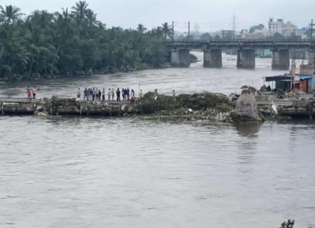 हैदराबाद बारिश: 37 हजार से अधिक परिवार हुए प्रभावित! 14