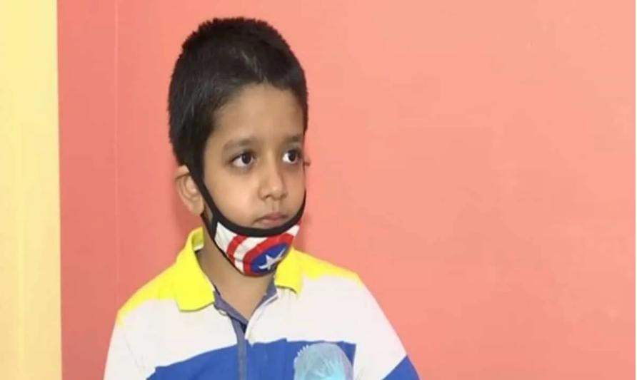 8 साल के लड़के ने 100 से अधिक गरीब छात्रों के परीक्षा फीस जमा करने के लिए 2 लाख रुपये जुटाए 18