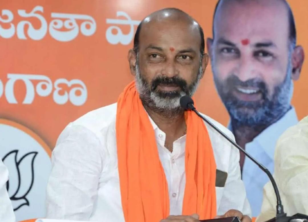 हैदराबाद निकाय चुनाव: बीजेपी सासंद ने अकबरुद्दीन ओवैसी के 15 मिनट वाले बयान को लेकर तंज कसा! 3