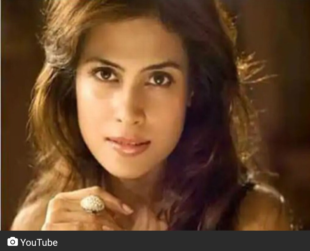बॉलीवुड अभिनेत्री कोलकाता अपार्टमेंट में संदेहास्पद परिस्थिति में मृत मिली! 5