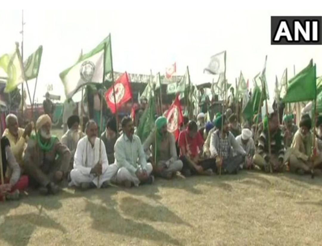 विरोध प्रदर्शन के दौरान जान गंवाने वाले किसानों को श्रद्धांजलि देकर किया गया याद! 12