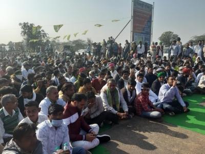किसानों के समर्थन में गाजीपुर पहुंचे दिल्ली कांग्रेस अध्यक्ष