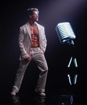 टाइगर श्रॉफ ने रिलीज किया अपने दूसरे गीत कैसनोवा का ट्रेलर