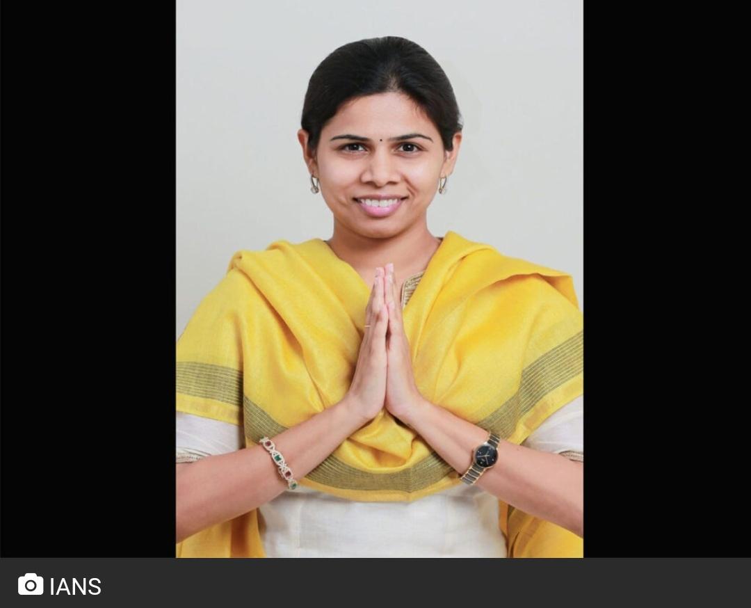 भूमी विवाद: हैदराबाद में राजनेताओं की भूमिका! 17