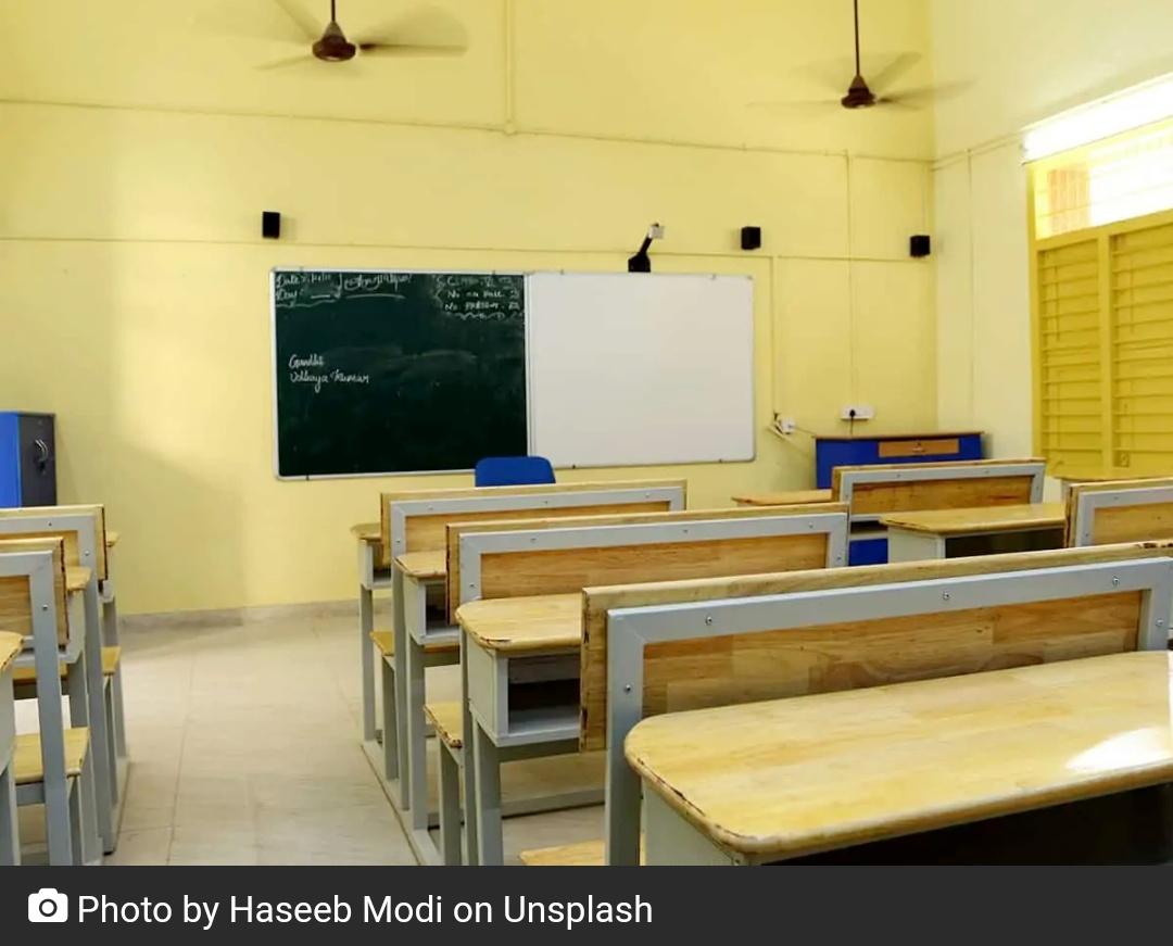 सर्वेक्षण में लगभग 70% स्कूलों के फिर से खोलने के पक्ष में नहीं हैं! 13