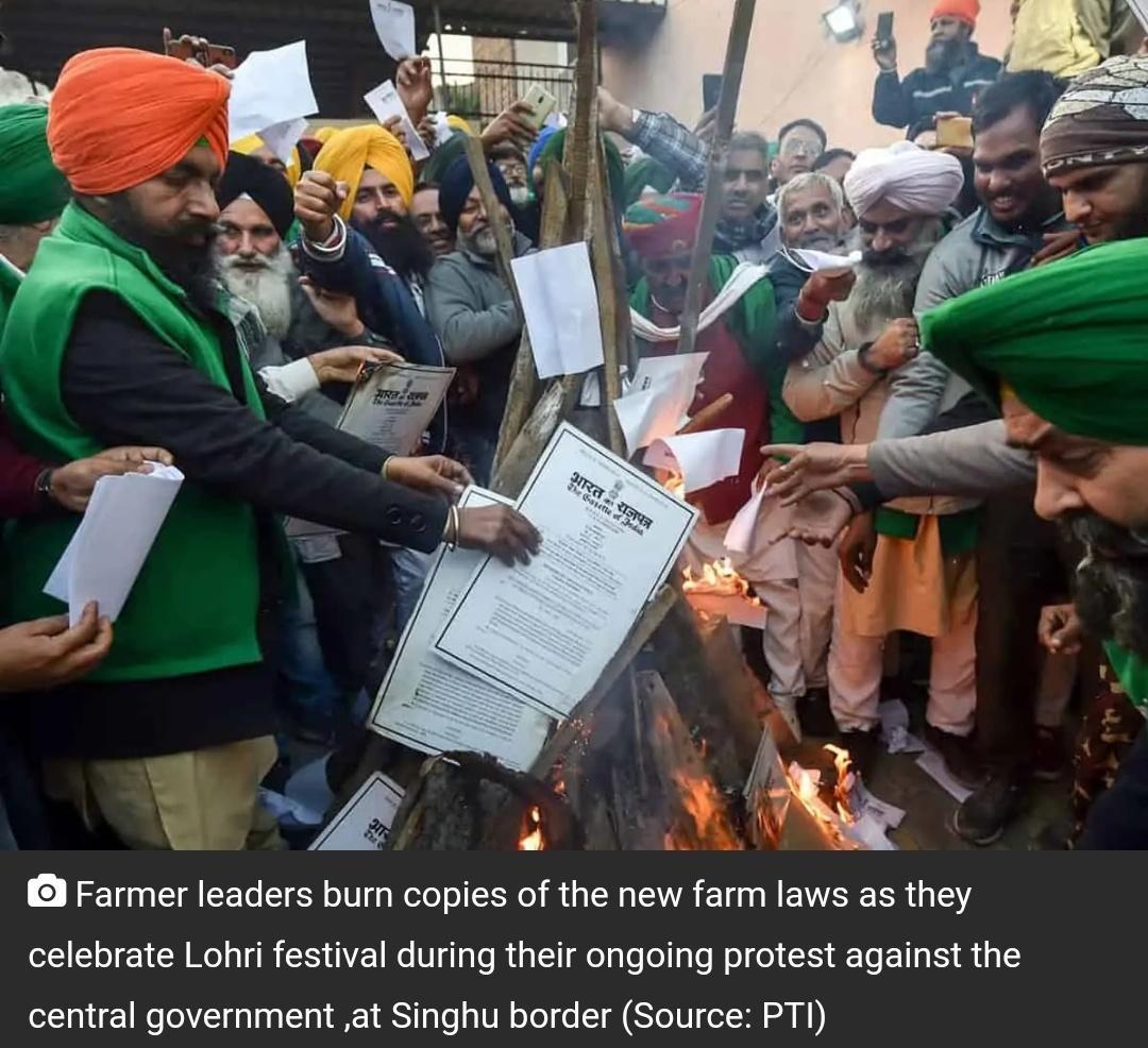 विरोध प्रदर्शन के बीच सिंघु बॉर्डर पर किसानों ने मनाया लोहड़ी! 9