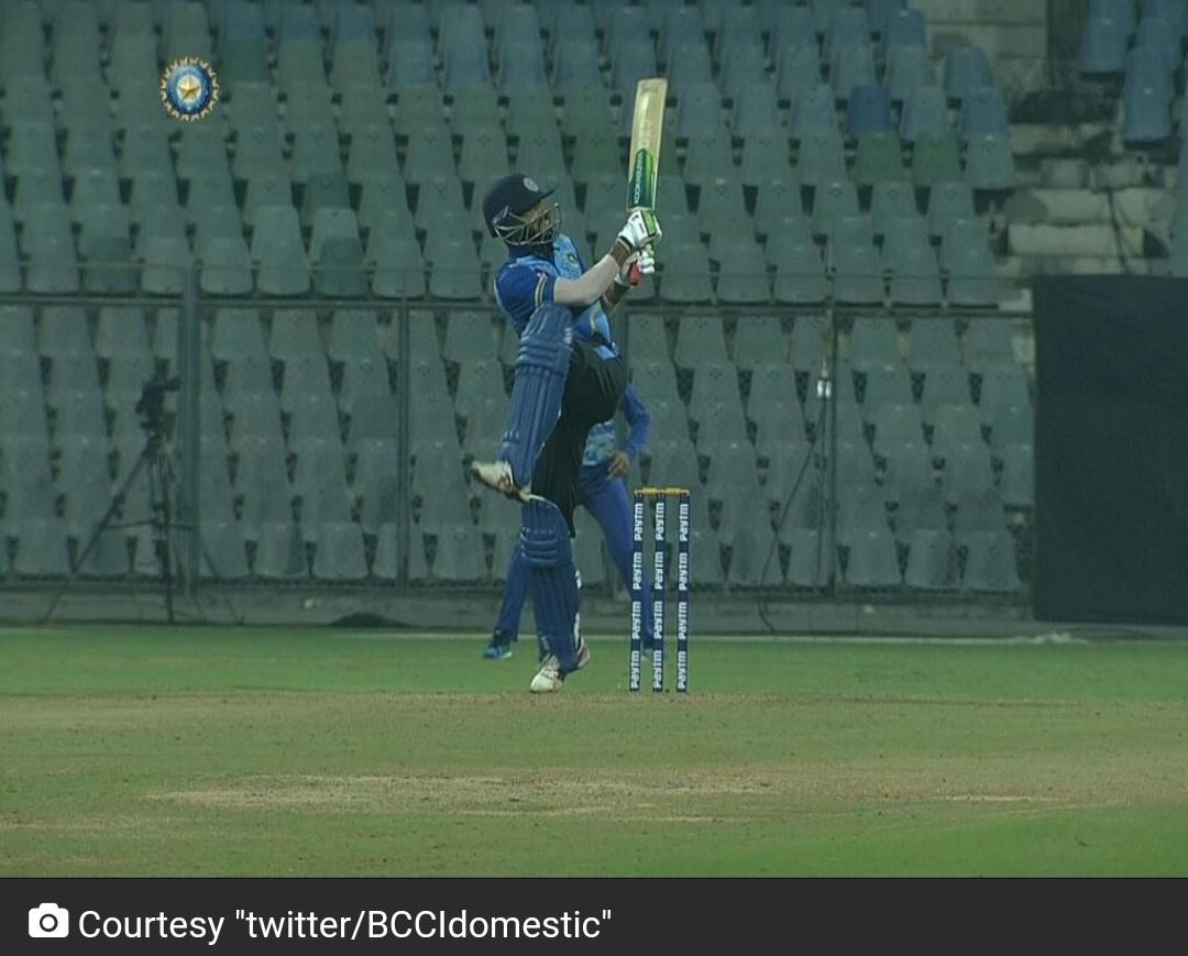 सैयद मुश्ताक अली ट्रॉफी टूर्नामेंट में केरल के मोहम्मद अज़हरुद्दीन ने 37 बॉल में शतक बनाकर रचा इतिहास! 6