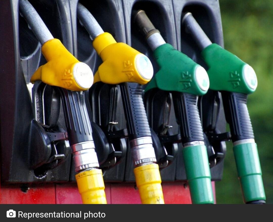 हैदराबाद में कम हो सकती है पेट्रोल की कीमतें! 7