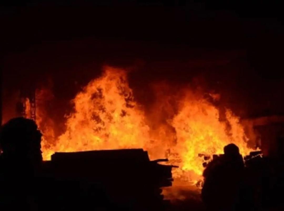 गुजरात के बड़ोदरा में अस्पताल में लगी आग, 23 मरीजों को सुरक्षित निकाला गया! 2