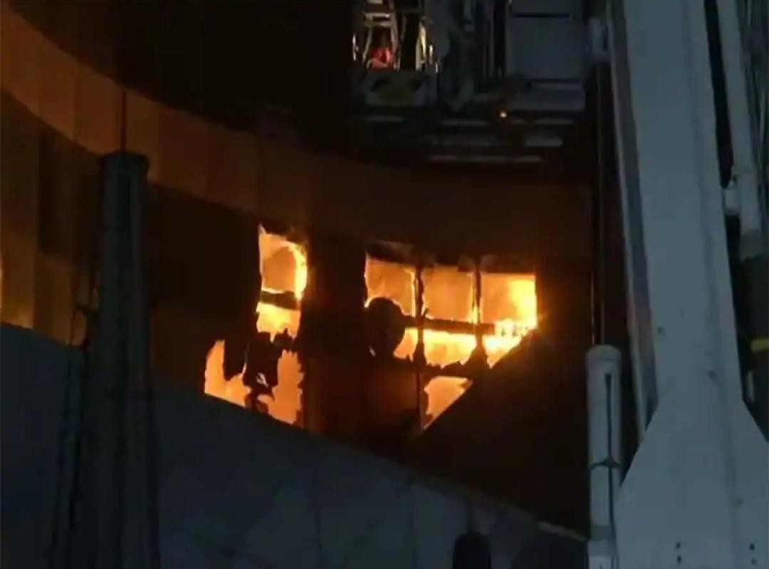 मुम्बई में कोविड सेंटर में आग लगने से दो की मौत, 70 मरीजों को सुरक्षित निकाला गया! 11
