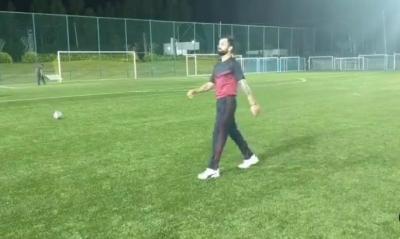 फ्री किक पर भी गोल नहीं दाग पाए क्रिकेट कप्तान कोहली