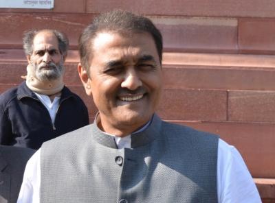 एआईएफएफ के अध्यक्ष प्रफुल्ल ने भारतीय फुटबॉल टीम के साथ की चर्चा
