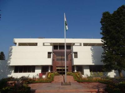 पाकिस्तान ने भारतीय उच्चायोग के 12 अधिकारियों को क्वारंटीन होने को कहा