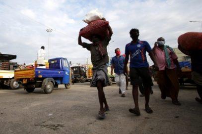 तमिलनाडु में सोमवार से संपूर्ण लॉकडाउन, चेन्नई में खरीदारी की होड़