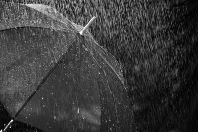 अगले 3-4 दिनों में भारत के कई हिस्सों में बारिश और तूफान की संभावना