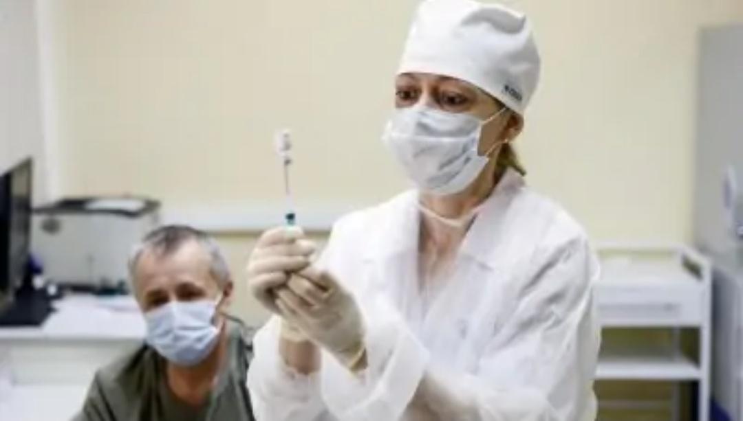 रूस में 8,709 नए कोविड के मामले दर्ज किए 6