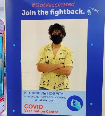 कार्तिक आर्यन ने लगवाया कोविड टीका, अब लोड होगा एंटीबॉडीज