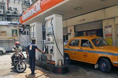 शुक्रवार को ईंधन की कीमतों में कोई बदलाव नहीं