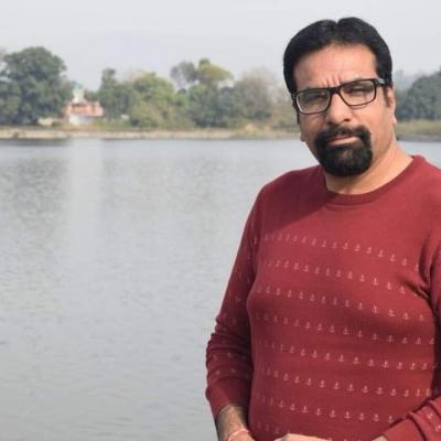 जम्मू-कश्मीर में आतंकियों ने नगर पार्षद की गोली मारकर हत्या की