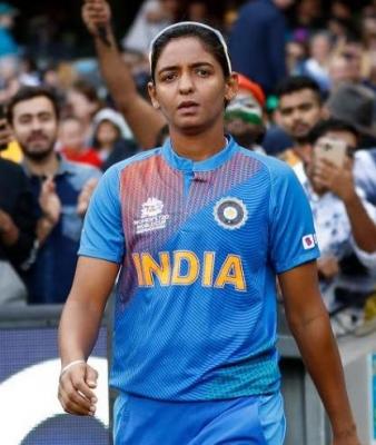 इंग्लैंड के खिलाफ टेस्ट से पहले भारतीय महिला टीम को मिला रहाणे का मार्गदर्शन (लीड-1)