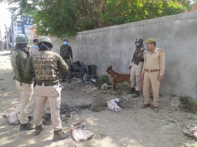 श्रीनगर के बाहरी इलाके में पुलिस चौकी के पास मिला आईईडी