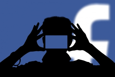 फेसबुक पर दोस्ती करने के बाद महिला से 2.5 करोड़ रुपये की ठगी