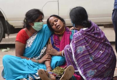 महाराष्ट्र में कोविड संक्रमण के नए मामले बढ़ें, अब तक 1 हजार से ऊपर मौतें