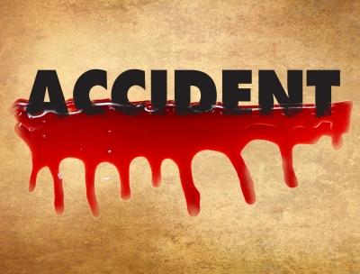 यूपी : तेज रफ्तार ट्रैक्टर की चपेट में आने से दो बहनों की मौत