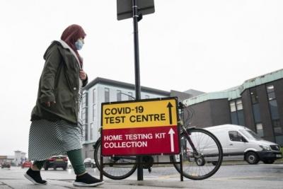 इंग्लैंड में 20 लाख से अधिक लोगों को लंबे समय तक कोविड रह सकता है : शोध