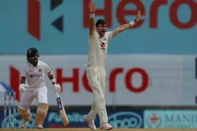 मुझे लगता था कि मैं टेस्ट क्रिकेट के लिए बेहतर नहीं हूं : एंडरसन