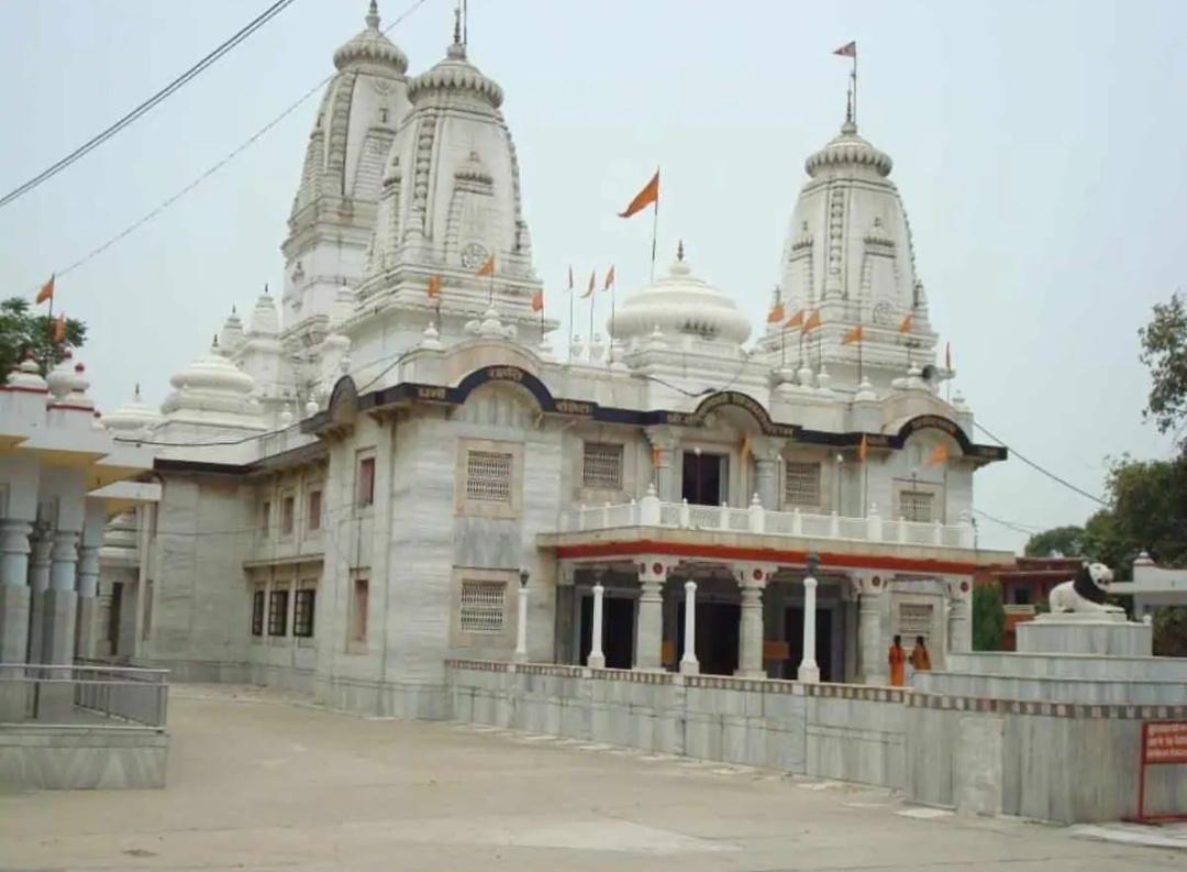 यूपी: गोरखनाथ मंदिर के पास रहने वाले मुस्लिम परिवारों को घर खाली करने के लिए कहा गया! 7