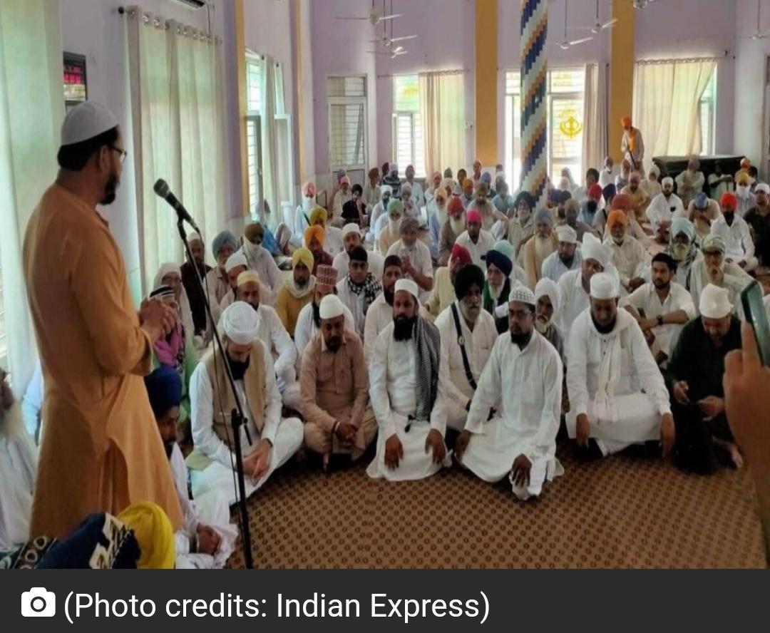 पंजाब के गांव में सिख, हिंदू अपने मुस्लिम परिवारों के लिए मस्जिद बनाने में योगदान कर रहे हैं! 5