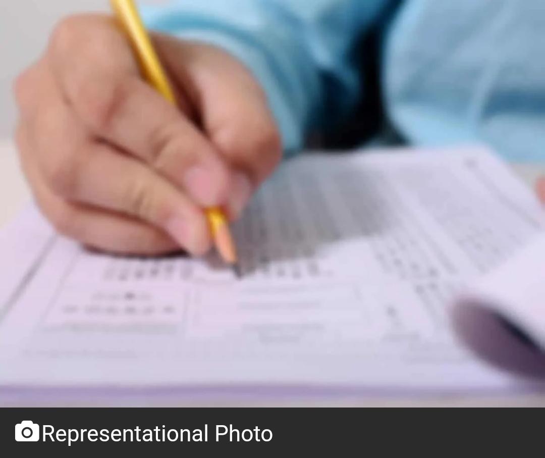 सीबीएसई ने कक्षा 10, 12 के शैक्षणिक सत्र को दो चरणों में बांटा! 3