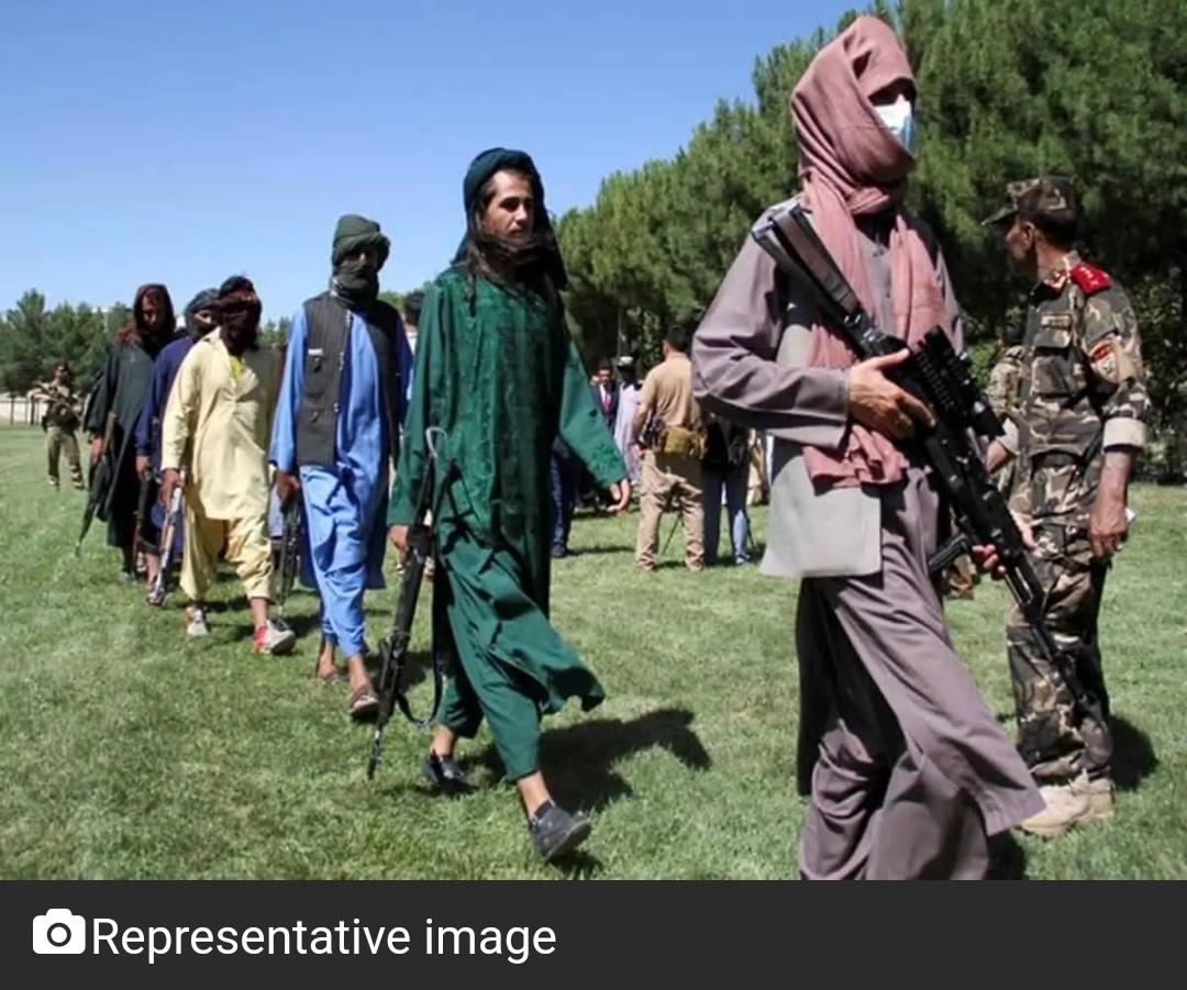 तालिबान हमले में तेजी के बीच पाकिस्तान ने अफगान सीमा पर सेना तैनात किया! 19