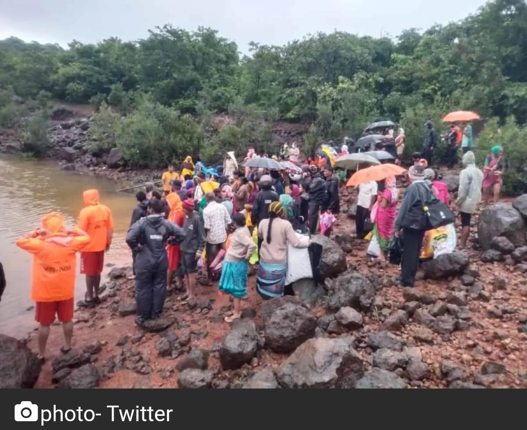महाराष्ट्र: रायगढ़ में बाढ़ से भारी नुकसान 4