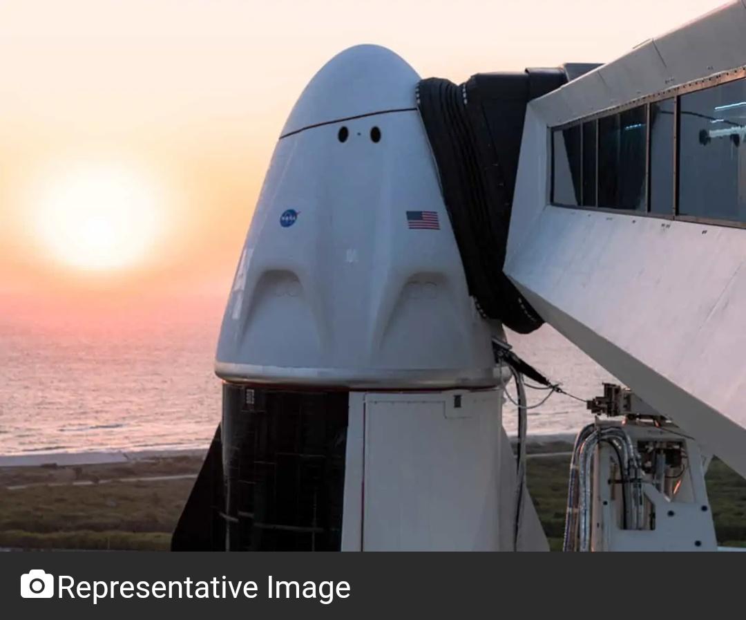 SpaceX कक्षा में पहला सर्व-नागरिक दल भेजने की तैयारी! 5