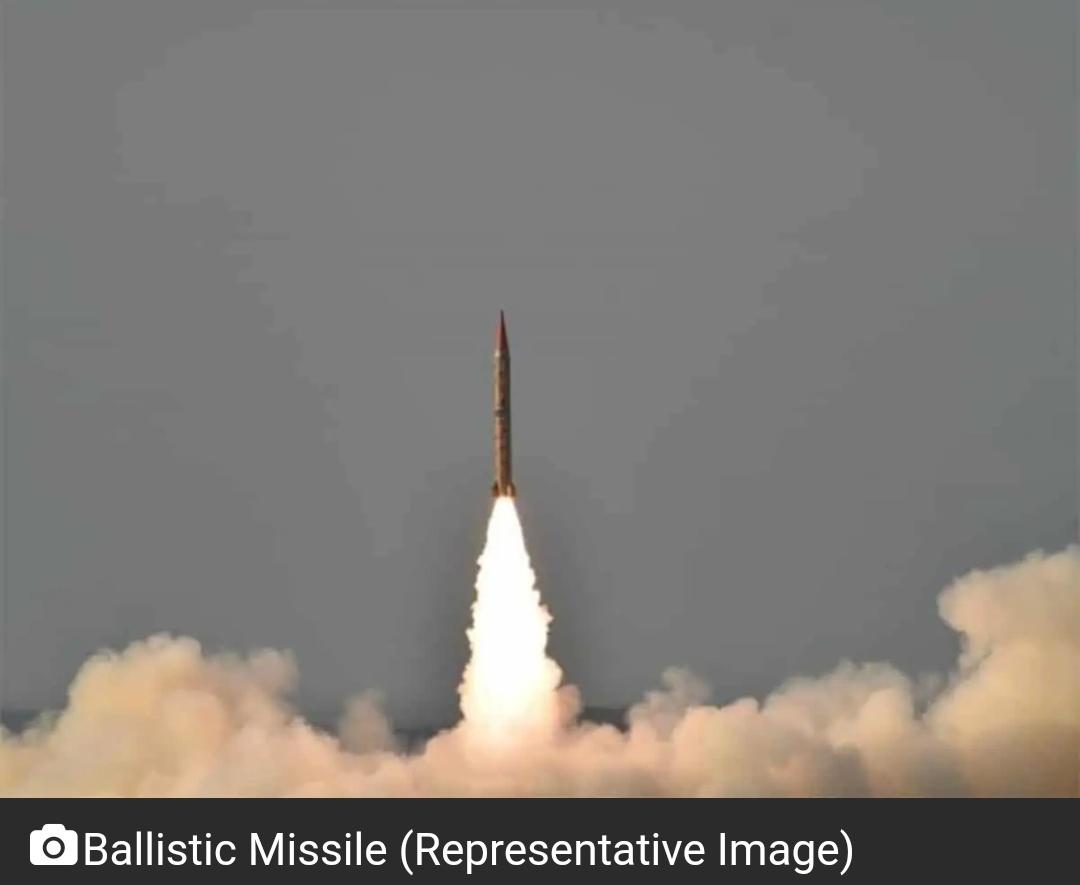 उत्तर कोरिया ने पूर्वी तट से दागी 2 बैलिस्टिक मिसाइलें 11
