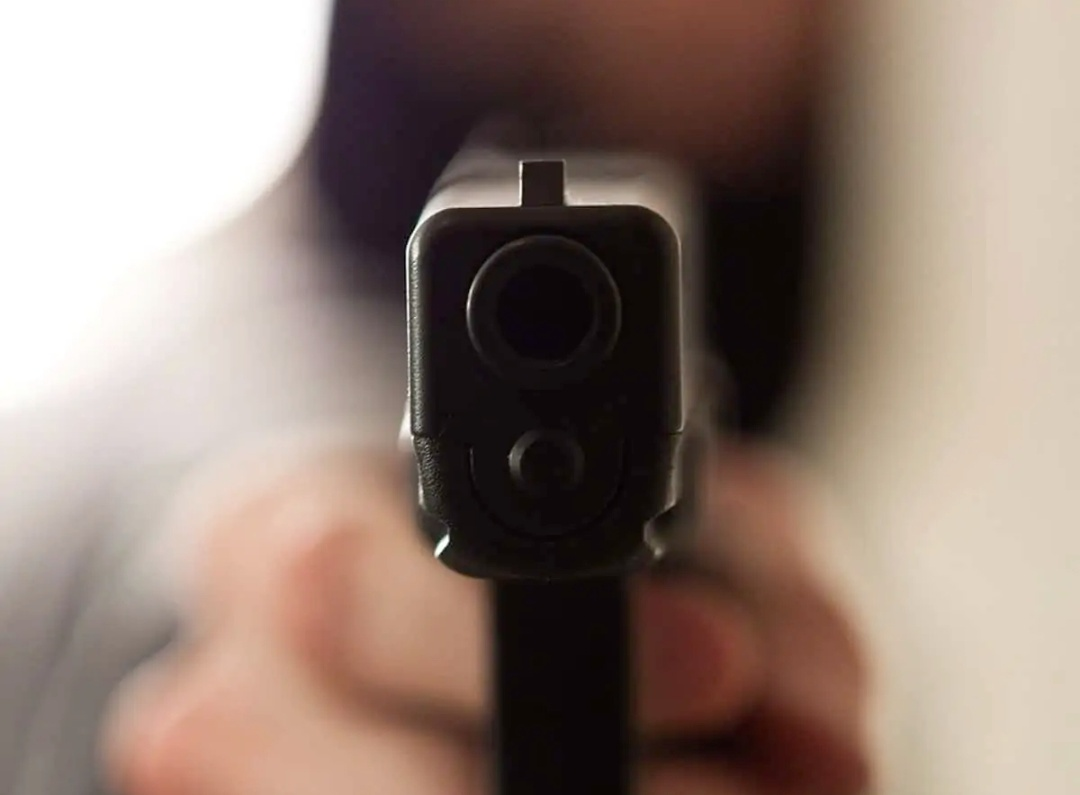 कुवैत : पत्नी से फोन पर हुई बहस के बाद भारतीय शख्स ने खुद को गोली मारी 18