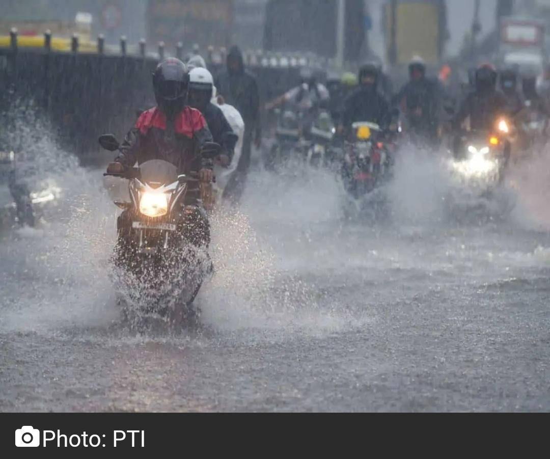 तेलंगाना: भारी बारिश के कारण 28 सितंबर को सरकारी कार्यालय, शैक्षणिक संस्थान बंद 12