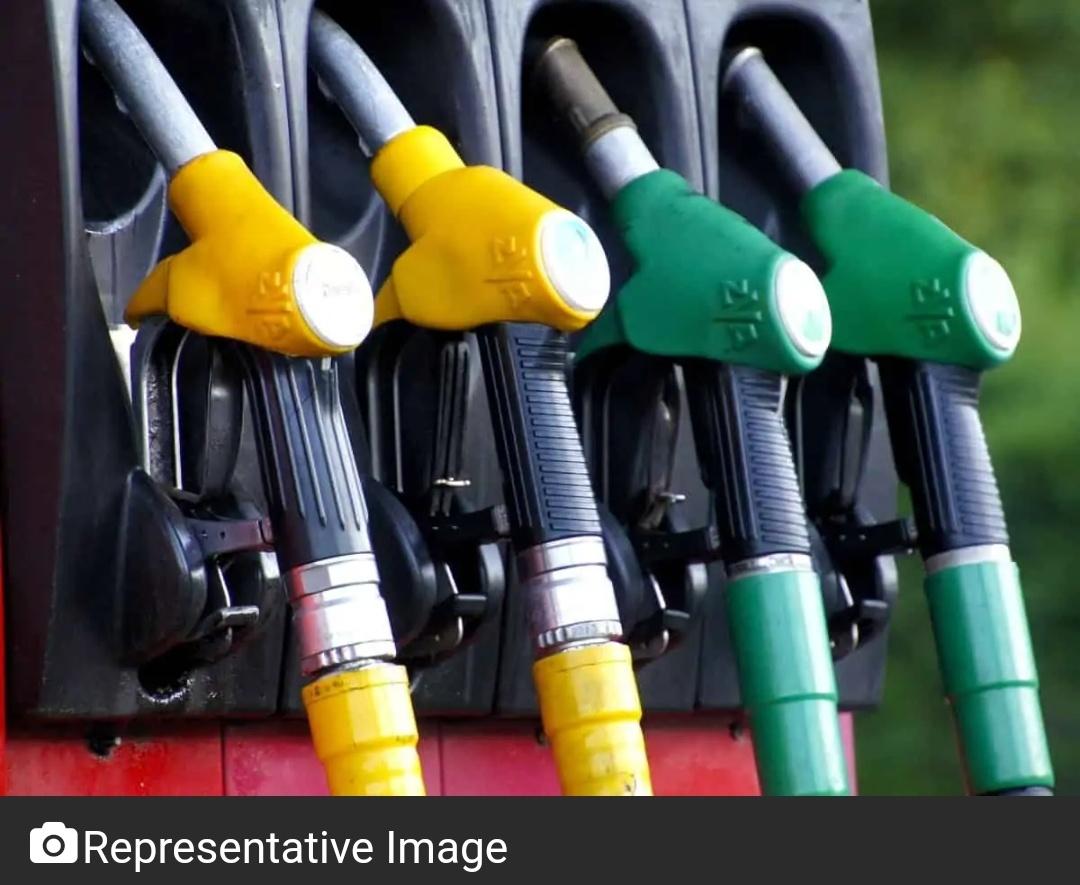 हैदराबाद में पेट्रोल और डीजल की कीमतों में बढ़ोतरी! 11